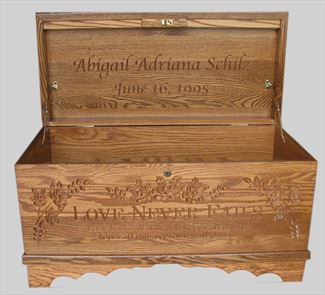 Hope Chest Amish chest Love Never Fails, OAK or Cherry or Brown Maple, MEDIUM