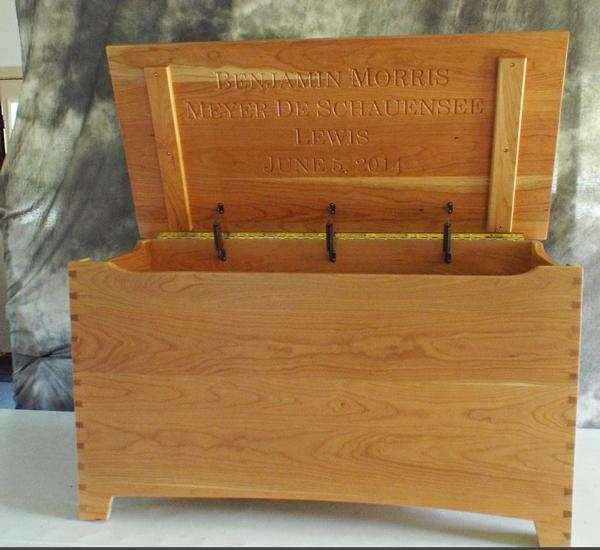 Amish Brown Maple or Quarter Sawn or Oak or Cherry Furniture Shaker Large Dovetail Toy Box Chest Deluxe Two Safety Hinges Verse and/or Name