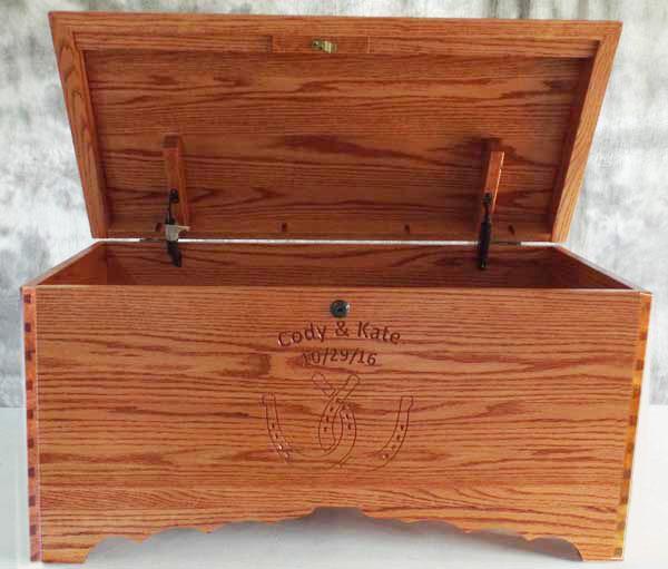 Hope Chest Amish chest Dual Horsehoe, cherry or oak, Dovetail Corners handmade hardwood