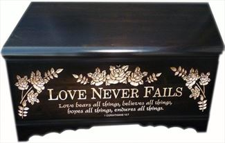 Hope Chest Amish chest Love Never Fails, Silver Maple, Reverse Lettering Large Onyx Stain